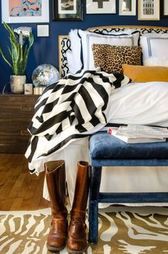 Love the black and white striped blanket with blue and gold