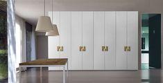 https://flic.kr/p/DChgqr | 2016 collection MAZZALI GRANDI ARMADI | Armadio WING, con maniglie in legno massello di Olivo  WING wardrobe with handles in Olive solid wood
