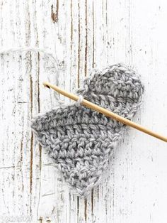 Virkattu sydän | Kotivinkki Crochet Home, Knit Crochet, Knitted Heart, Crochet Instructions, Insta Photo Ideas, Crochet Fashion, Handicraft, Deco, Needlework