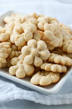 Butter cookies with almond are simple cookies that are incredibly delicious. They are perfect for the holidays or with a cup of coffee!