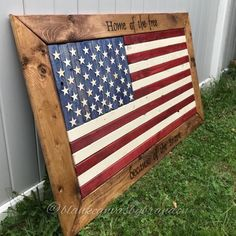american flag art Welcome to Blank Canvas by Brandon! Display this stunning framed American Flag in your home or give as a gift to a loved one! This flag is made of solid wood and p Framed American Flag, American Flag Pallet, American Flag Decor, Pallet Flag, Wood Flag, Pallet Art, Flag Painting, Patriotic Decorations, Patriotic Crafts