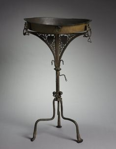 Tripod Brazier | Cleveland Museum of Art, 1400-1450