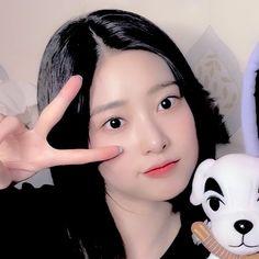 Aesthetic Themes, Kpop Aesthetic, Aesthetic Girl, Ulzzang Girl, Girl Group, Taekook, Cute, Wallpaper, Twitter