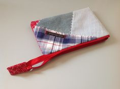 Make-up bag / pencil case made of recycled clothes. Neckties, Recycling, Pencil, How To Make, Bags, Clothes, Fashion, Handbags, Moda
