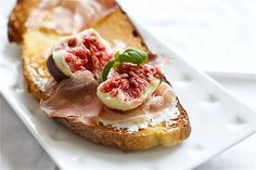 Altamura bread, fresh figs, ricotta and smoked prosciutto ~ come to Mamma you tempting delectable bite of yumminess
