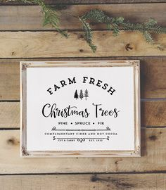 Download this Farm Fresh Christmas Trees sign that you can print and frame to display in your home for the holidays! MountainModernLife.com