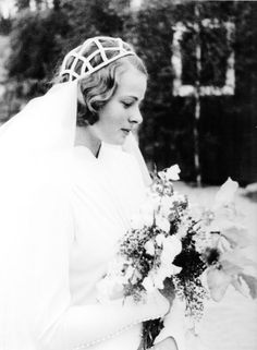Ingrid Bergman on her wedding day (1937)