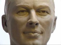 David Gilmour Portrait Sculpture video [the likeness to him is amazing!!]