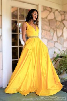 Yellow V Neckline Open Back Ball Gown Prom Dress / Rsvp Prom and yellow prom dresses - Yellow Things Grad Dresses Long, Prom Dresses With Pockets, Prom Party Dresses, Pageant Dresses, Homecoming Dresses, Evening Dresses, Dress Long, Party Gowns, Occasion Dresses