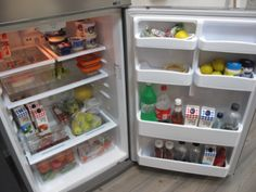 Fuente: http://www.businessinsider.com/an-inside-tour-of-one-of-the-hottest-startups-in-israel-waze-2012-2#dont-worry-this-fridge-is-stocked-with-hummus-this-is-israel-after-all-16