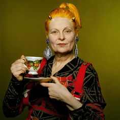 Dame Vivienne Westwood, DBE, RDI (born Vivienne Isabel Swire on 8 April is an English fashion designer and businesswoman, largely responsible for bringing modern punk and new wave fashions into the Vivienne Westwood, Vogue Uk, Prinz Charles, Elisabeth Ii, English Fashion, Brave, Advanced Style, Heroin Chic, Punk Fashion