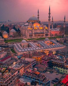 Sultanahmet Camii, Blue Mosque, World Heritage Tourist Attraction Spots, Superb Views Soho House Istanbul, Istanbul City, Istanbul Travel, Cool Places To Visit, Places To Travel, Places To Go, Beautiful Mosques, Beautiful Places, Wonderful Places