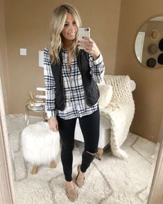 Plaid shirt - - Plaid shirt outfit fall, flannel, work outfit, vest, vest outfit Source by thesuestylefile Plaid Shirt With Vest, Plaid Shirt Outfits, Black Plaid Shirt, Plaid Shirt Women, Black And White Shirt, Fall Outfits, Flannel Shirts, Green Sweater, White Plaid