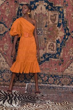 Get inspired and discover Johanna Ortiz trunkshow! Shop the latest Johanna Ortiz collection at Moda Operandi. Look Fashion, Fashion Show, Womens Fashion, Fashion Trends, Fall Fashion, Fashion 2018, Vogue Fashion, 50 Fashion, Fashion Styles
