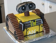 I Ate WALL-E!  Step by step wall-e cake for Nathan's birthday