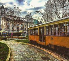 La nuova e la vecchia guardia #milano #milanocity #milanocentrale #tram #vivomilano #lombardia_super_pics #loves_vehicles #loves_milano #loves_united_milano #top_lombardia_photo #siretto #stazionecentrale #stazione #rotaie #alberi #inverno #hdrmania #igw_street #milano_forever #milanodavedere by save0508