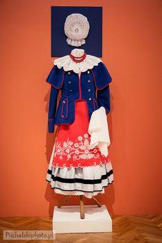 "Puchalski Photo: ""Niezwykłe ręce wierne tradycji"" - haft kujawski Folk Costume, Costumes, Polish Folk Art, Silk Shirts, Folk Clothing, Folk Embroidery, Folklore, Traditional Outfits, Poland"