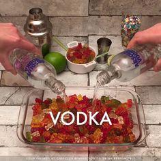 20 Vodka Cocktail Recipes – We seek happiness Summer Drinks, Fun Drinks, Pool Drinks, Mixed Drinks, Good Alcoholic Drinks, Halloween Alcoholic Drinks, Alcholic Drinks, Summer Drink Recipes, Summer Snacks