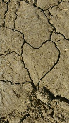 Heart mud. Hiking Arroyo Verde Park,  San Buenaventura,  CA