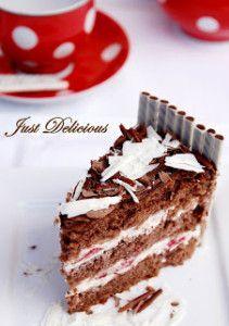 Narodeninová čokoládová torta s mascarpone krémom a jahodami Tiramisu, Ale, Food And Drink, Ethnic Recipes, Mascarpone, Ale Beer, Tiramisu Cake, Ales, Beer