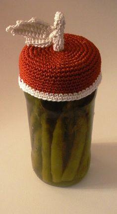 Otro patrón para animarnos y tejer muchas tapas para frascos al crochet. Vamos a tener una cocina mucho más linda que nos inspirará seg...