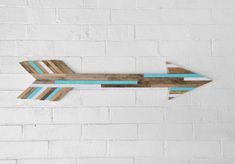 Your place to buy and sell all things handmade Southwestern Wall Decor, Arrow Crafts, Arrow Painting, Wood Arrow, Reclaimed Wood Wall Art, Wood Accents, Home Wall Decor, Wood Crafts, Wood Projects