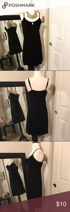 Preowned Old Navy Black Dress Excellent condition Old Navy Dresses