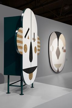 At this year& Interior Design Show (IDS) in Toronto, designer Jaime Hayon unveiled his installation of whimsical furniture pieces made from Caesarstone. Interior Design Shows, Decor Interior Design, Interior Paint, Interior Ideas, Kids Furniture, Furniture Design, Furniture Decor, Teak Furniture, Furniture Logo