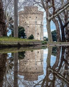 White Tower, Thessaloniki, Macedonia, Greece Source by megantsif Places To Travel, Places To Visit, Porches, Macedonia Greece, Greece Hotels, Water Reflections, Thessaloniki, Europe, Greece Travel