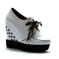 Lux wedge heel creepers.. creepers with a twist ;) www.attitudeholland.nl €74.99