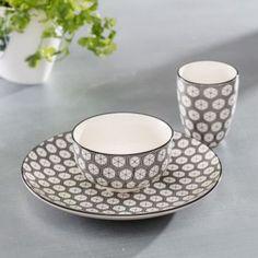 Miska Maroccan Black #keramika#miska#jedalen#kuchyna#cosyandtrendy#ranajky Sugar Bowl, Bowl Set, Cosy, Tea Cups, Tableware, Black, Dinnerware, Black People, Tablewares
