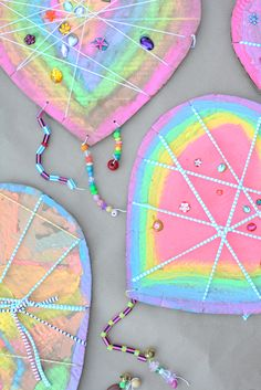 Love Catchers are the new Dream Catchers [These are great for more than Valentine's Day! Paint in mom's or dad's favorite colors. Thx from Mrs. A at http://123kindergarten.com]