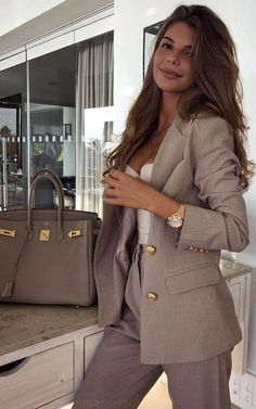 28 Latest Winter Business Outfits Ideas For Woman In Your Office 28 Latest Winter Business Outfits Ideas For Woman In Your Office,outfits Related Lovely Jumpsuit For Women For Work - - Classic Work Outfits, Casual Work Outfits, Business Casual Outfits, Mode Outfits, Business Fashion, Trendy Outfits, Outfit Work, Party Outfits, Business Style