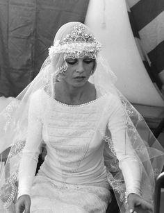 mariage de Brigitte Bardot a Saint Topez Princess Wedding Dresses, Best Wedding Dresses, Bridal Dresses, Wedding Gowns, Bridal Gown, Bridal Shoes, Brigitte Bardot, Bardot Wedding Dress, Bridesmaid Outfit