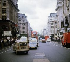 Oxford Street Central London England in 1968 New York Pictures, London Pictures, London Photos, London History, Tudor History, Local History, British History, London Bus, London Street