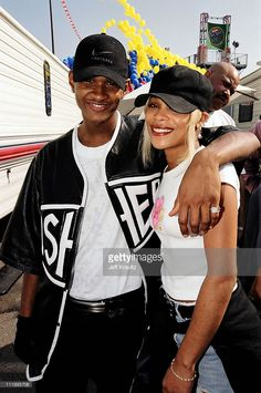 Usher with T-Boz of TLC at Nickelodeon's 1997 The Big Help in Los Angeles. 90s Hip Hop, Hip Hop And R&b, Hip Hop Rap, Hip Hop Fashion, 90s Fashion, Old School Fashion, Instagram Baddie, Neo Soul, Black Girl Aesthetic