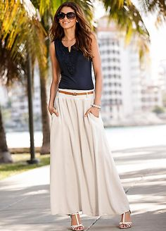 Festival Maxi Skirt Source by abiti Blue Skirt Outfits, Dress Outfits, Fashion Dresses, Long Black Skirt Outfit, Maxi Skirt Outfit Summer, Mode Outfits, Chic Outfits, Spring Outfits, Trendy Outfits