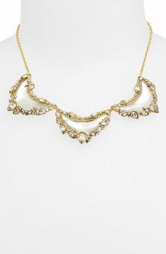 Sparkly bib necklace
