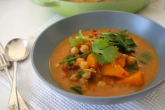 My New Fave Meal. Officially in with it! So Delish! Spicy butternut and chickpea soup with coconut cream Chickpea Soup, Veggie Soup, Pre Cooked Chicken, Quick Meals, Soups And Stews, Healthy Eating, Healthy Food, Coconut Cream, Coconut Milk