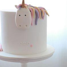 rainbow unicorn birthday cake source: Instagram sugarbeecakes