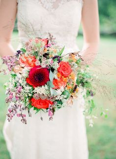 Yes please! Love this bright and cheerful bouquet by Holly Chapple Flowers http://www.hollychappleflowers.com/