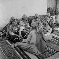 Groupe de femmes berbères juives de Tahala.
