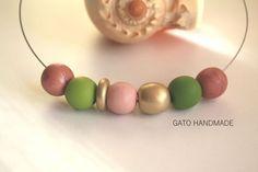 45 LEI | Coliere handmade | Cumpara online cu livrare nationala, din Bucuresti Sector 2. Mai multe Bijuterii in magazinul GATO.Handmade pe Breslo.