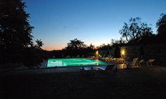 Swimming pool at night Pool At Night, Villa, Cool Pools, Swimming Pools, Cottage, Outdoor Decor, Tuscany, Swiming Pool, Pools