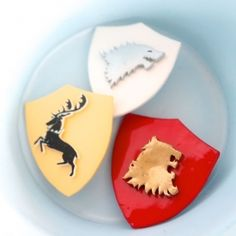 I'll show you how you can make your own Game of Thrones Sigil brooches using shrinky dinks in this tutorial.