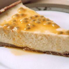 Receita de Torta de Maracujá à Cyber Cook - 1/2 pacote de biscoito água e sal , 60 gr margarina, 1 lata de creme de leite , 1 xícara (chá) de suco de maracu...