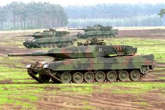 West German Bundeswehr - Leopard IIA5 - Modern Main Battle Tank – Crew: 4 (Commander, Gunner, Radio Operator/Loader, Driver) Armament: 1 x 120mm Smooth Bore Gun and 2 x 7.62mm Machine Guns - 2,125 Built (1979-Present) (All Variants) (1)
