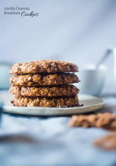 Gluten Free Granola Oatmeal Breakfast Cookies - These kid-friendly healthy breakfast cookies use granola for added crunch! They're gluten and egg free, made in one bowl and are great for busy mornings! | Foodfaithfitness.com | @FoodFaithFit