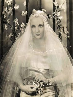 1930's Bride - Satin, Pearls & a Beautiful Veil.