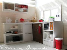 This is the perfect kitchen for my daughter's dollhouse that I'm building for her!